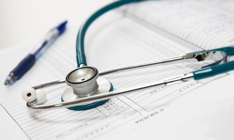 suivi-medical-lefevreetraynaud-avocat-larochesuryon-min